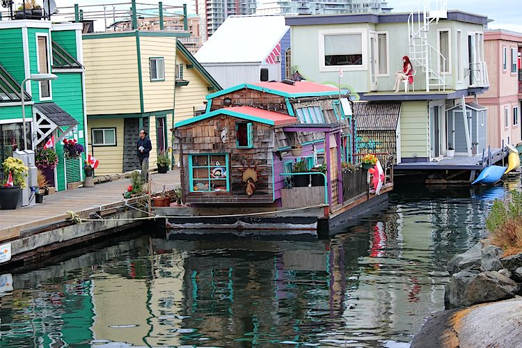 tiny floating home 2