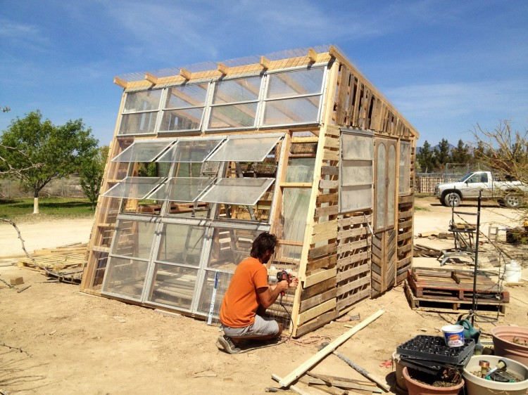 we-quit-our-jobs-greenhouse3