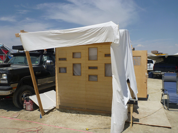 burning-man-tiny-house14