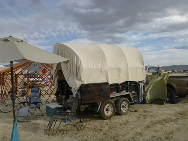 burning-man-tiny-house37
