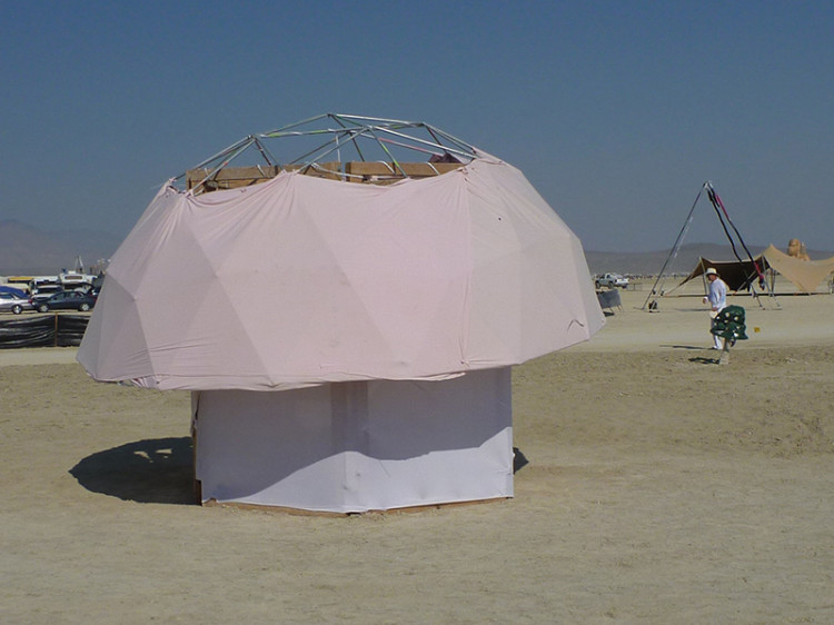 burning-man-tiny-house40