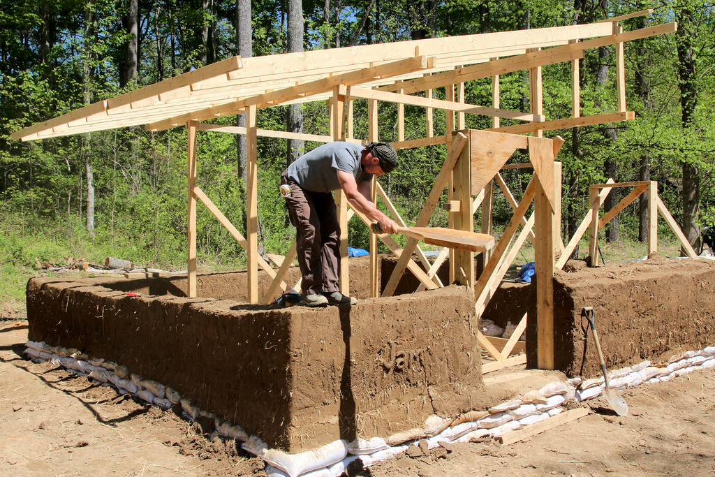 Plans Available for a $4,500 Cob House - Tiny House Blog on adobe homes, bollinger homes, greene homes, cesario homes, straw homes, off white homes, english village homes, hunter green homes, missouri city homes, khaki homes, saline homes, milk carton homes, cobb homes, silver bow homes, stone homes, rubble homes, craft stick homes, concrete homes, randolph homes, cherokee reservation homes,