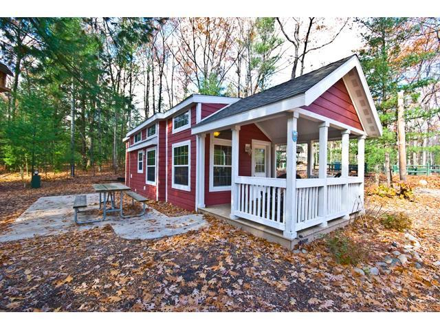 Fine Tiny Houses For Sale In Michigan 10 Small Homes You Can Home Interior And Landscaping Ymoonbapapsignezvosmurscom