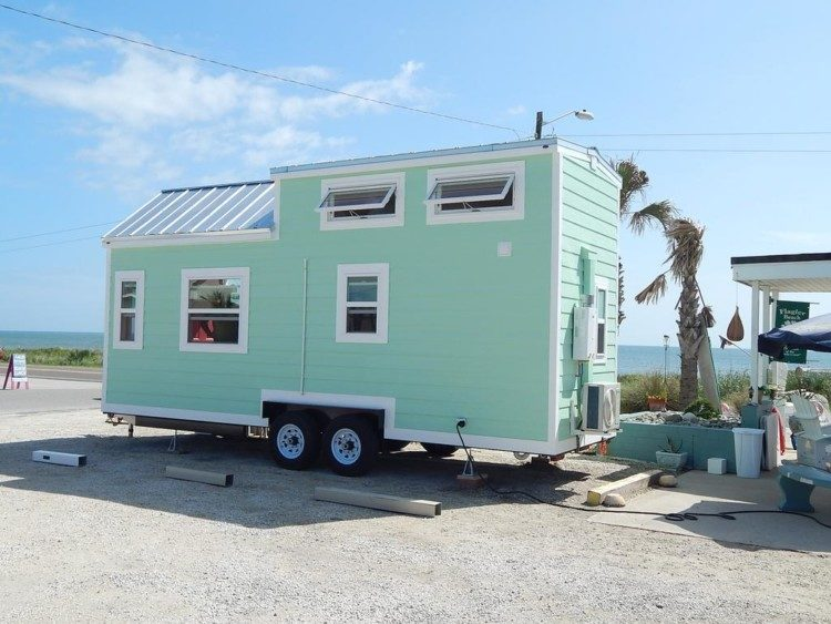 Terrific 10 Tiny Houses For Sale In Florida You Can Buy Now Tiny Home Interior And Landscaping Ferensignezvosmurscom
