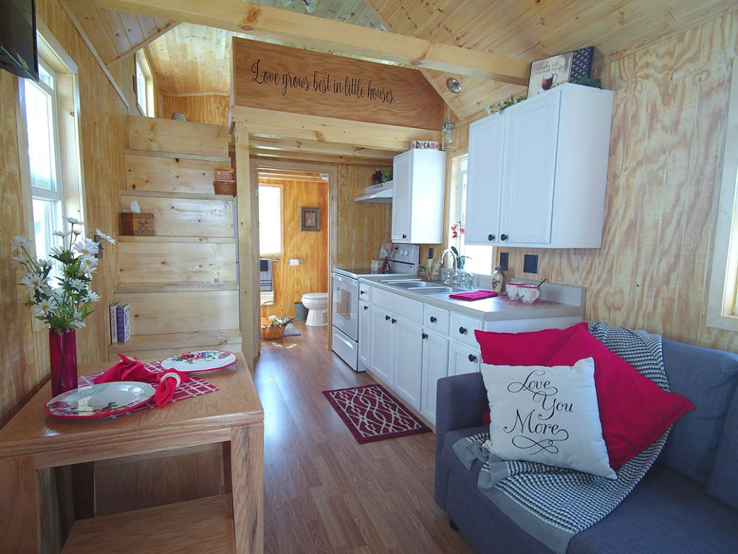Buck S Tiny Houses Include Appliances And Furniture Tiny